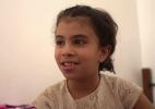 O momento emocionante em que avós reconhecem a neta entre órfãos na Líbia após batalha com o EI - BBC