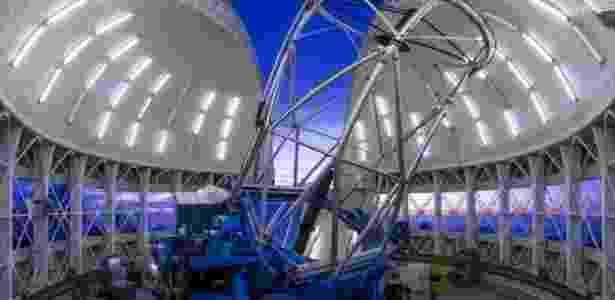 O telescópio Gemini Norte; descoberta contribui para entendimento do Big Bang - Gemini Observatory/Aura Image by Joy Pollard