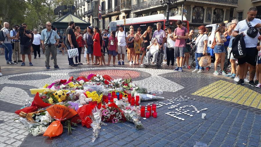 Homenagem às vítimas um ano após o atentado terrorista em La Rambla, Barcelona, em agosto deste ano - Mirthyani Bezerra/UOL
