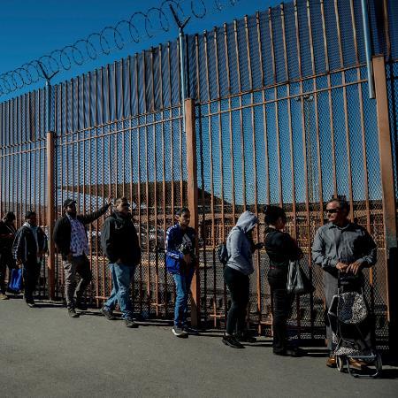 Migrantes que entrarem nos Estados Unidos serão processados pelas autoridades migratórias - Meridith Kohut/The New York Times