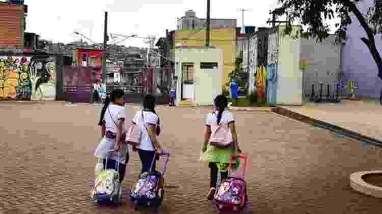 Buarque lamenta ausência de reivindicações voltadas à educação básica entre manifestantes - Rovena Rosa/Agência Brasil/BBC