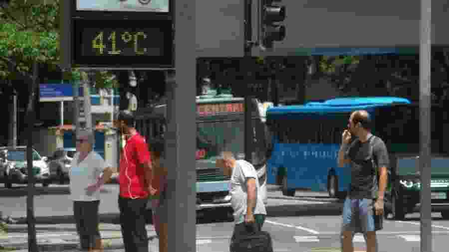 Termômetro de rua marca 41ºC no Rio de Janeiro - ALESSANDRO BUZAS/FUTURA PRESS/ESTADÃO CONTEÚDO