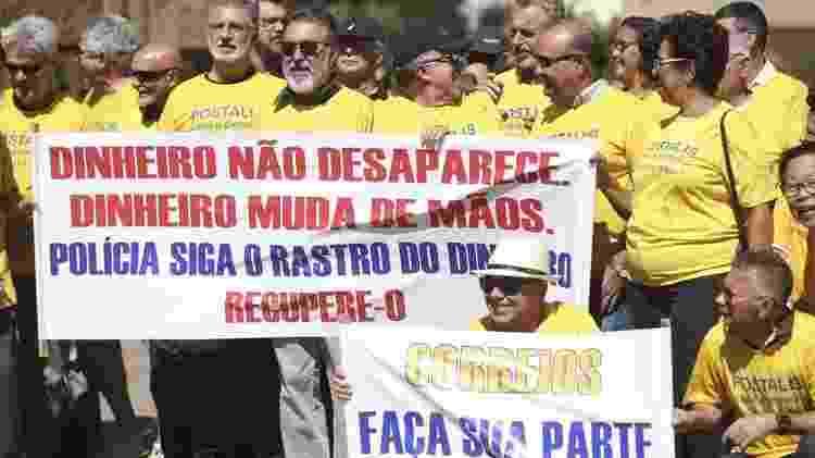 Protesto de cotistas do Postalis em 2018: funcionários questionam na Justiça pagamento de alíquota extra para cobrir déficit - José Cruz/Ag. Brasil - José Cruz/Ag. Brasil