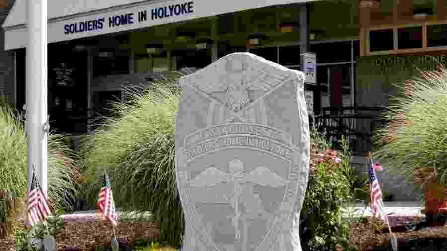 """Fachada do Soldiers"""" Home, lar para veteranos de guerra na cidade de Holyoke, Massachusetts - Reprodução/Facebook"""