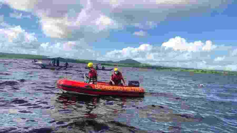Corpo de Bombeiros busca por corpos de vítimas de naufrágio no Recôncavo Baiano - Divulgação/Corpo de Bombeiros