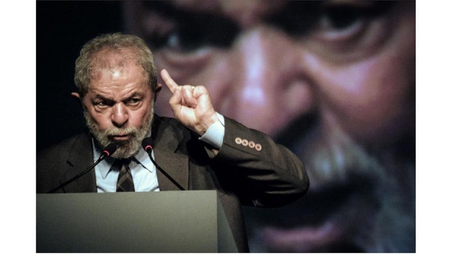 Lula fala a industriais em 2016 - Yasuyoshi Chiba/AFP via Getty Images