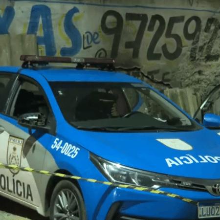 Policiais estavam em viatura quando foram atacados e mortos à tiros - Reprodução/ TV Globo