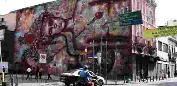 23.fev.2016 - Grafite na esquina das ruas do Lavradio e Visconde de Rio Branco, na Lapa, no centro do Rio de Janeiro - Júlio César Guimarães/UOL - Júlio César Guimarães/UOL