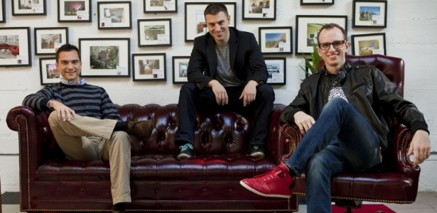 Nathan Blecharczyk, Brian Chesky e Joe Gebbia, fundadores do Airbnb