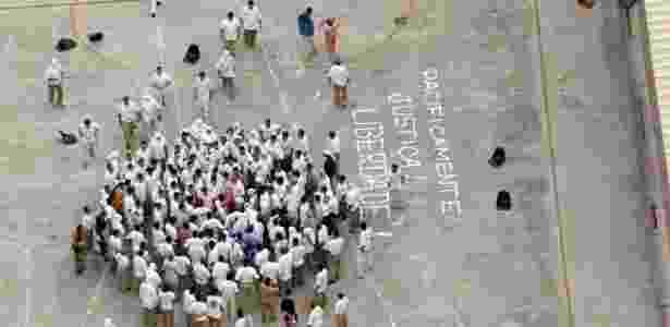 Manifestação do PCC em cadeia de São Paulo - Evelson de Freitas/Folhapress