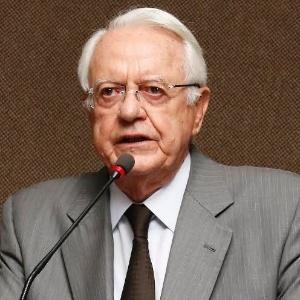 16.fev.2017 - Ex-presidente do STF Carlos Velloso - Divulgação/OAB-DF