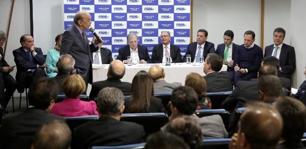 12.jun.2017 - Senador José Serra (SP) discursa durante plenária do PSDB em Brasília. A legenda decidiu ficar no governo Temer