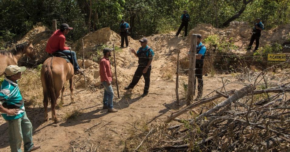 Cercas elétricas foram instaladas dentro do terreno da família de Jassonê Lopes Leite, em Cachoeira