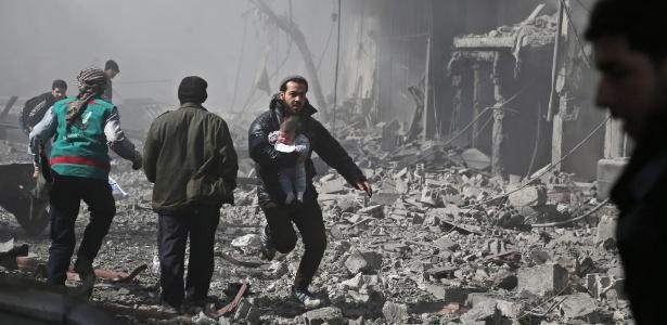 Ataque deixa dezenas de mortos na região de Ghouta, próximo a capital síria Damasco
