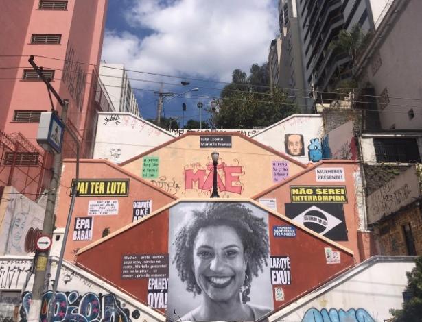 Painel com o rosto de Marielle Franco é restaurado na zona oeste de São Paulo - Luís Adorno/UOL