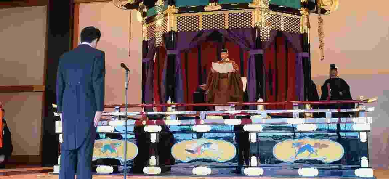 Naruhito se tornou imperador em maio, mas assumiu oficialmente hoje o trono do Crisântemo - Xinhua