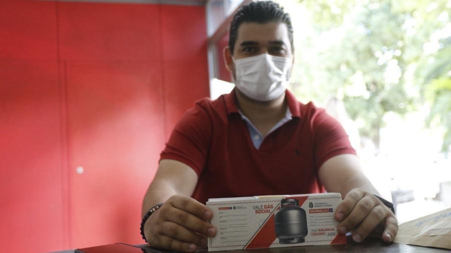 Vale-gás começou a ser distribuído gratuitamente para os cearenses hoje - Reprodução / Twitter
