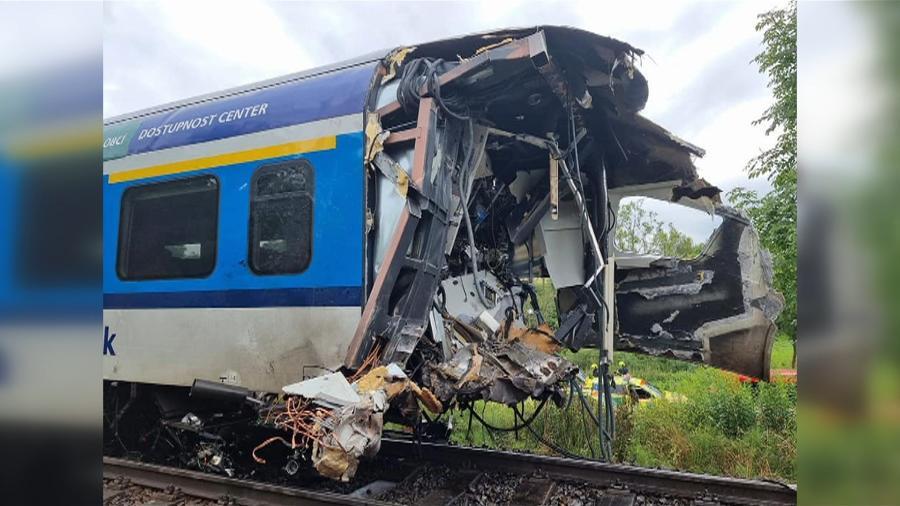 Trens colidiram no Oeste da República Tcheca - HZS Plze?ského kraje / AFP