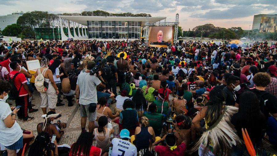 Em acampamento, indígenas acompanham o julgamento do STF sobre o marco temporal - Ramon Vellasco/UOL
