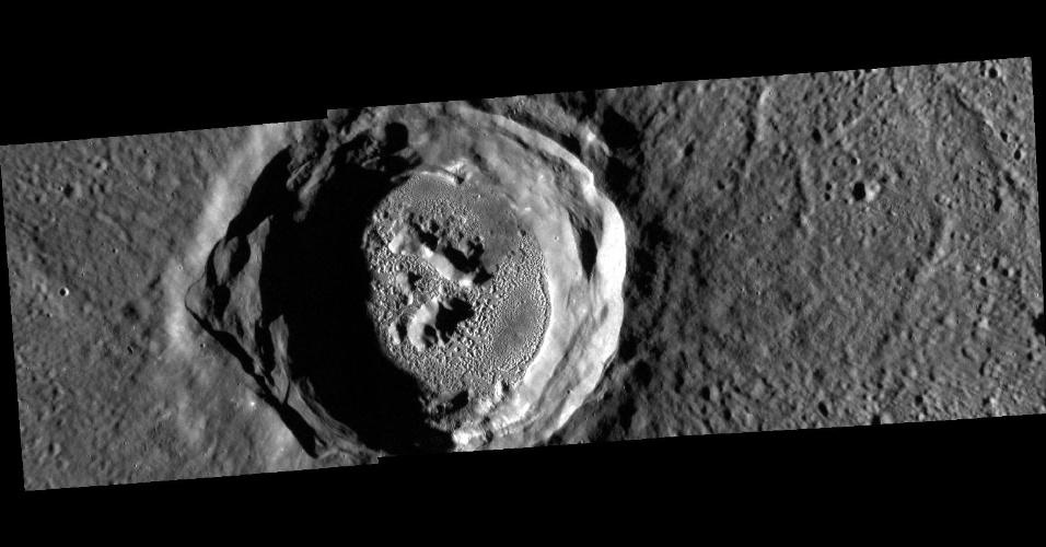 3.mai.2016 - O PASSEIO DE MERCÚRIO - Em 9 de maio, Mercúrio vai dar a volta em toda a face do Sol - um evento astronômico conhecido como trânsito. Durante o trânsito, que deve durar horas e ser pelo menos parcialmente visível na maior parte do mundo, o planeta será visto como um pequeno ponto ao lado do Sol