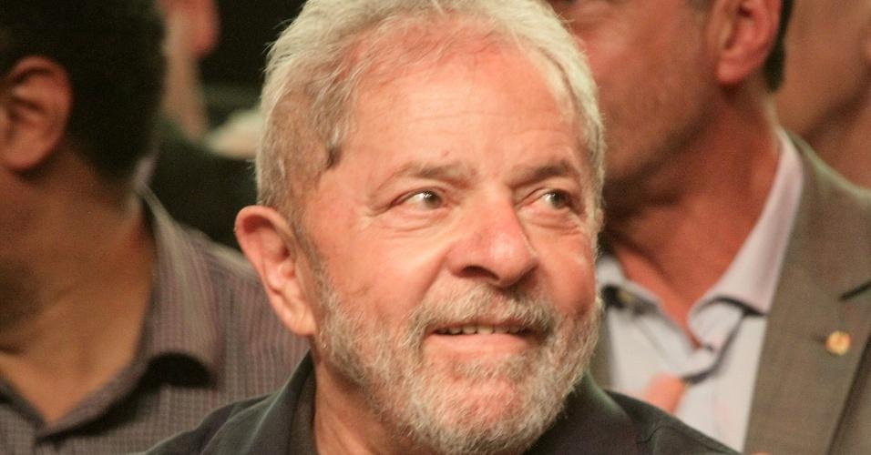 20.jun.2016 - O ex-presidente Luiz Inácio Lula da Silva participa do evento de lançamento da pré-candidatura da deputada federal Jandira Feghali (PCdoB-RJ) à prefeitura do Rio de Janeiro, na Fundição Progresso, no Rio