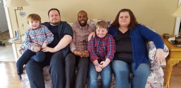 Michael Menafee (centro) conhece toda a família Slade