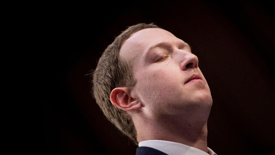 """""""Necessitamos um papel mais ativo dos governos e dos reguladores"""", escreveu Zuckerberg - Brendan Smialowski/AFP"""
