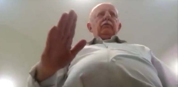 O prefeito de Não-Me-Toque (RS), Armando Carlos Roos (PP), em imagem de vídeo gravado por funcionária