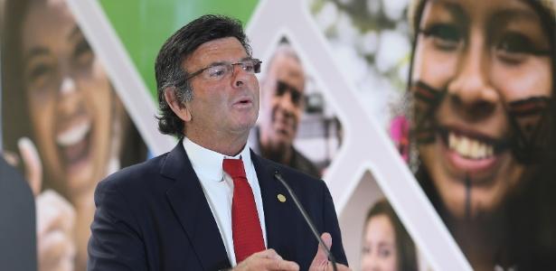 O presidente do TSE, ministro Luiz Fux, fala a imprensa sobre o perfil do eleitorado