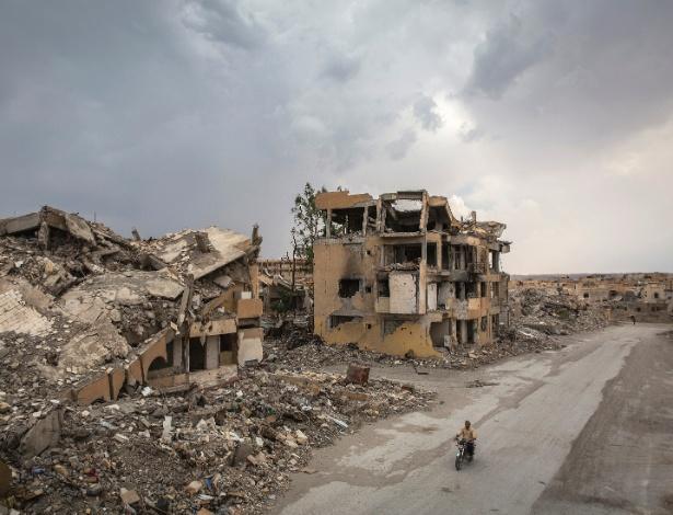 A cidade de Raqqa, na Síria, após ataque de coalizão internacional contra forças do Estado Islâmico - Ivor Prickett/ The New York Times