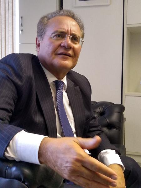 21.mai.2019 - O senador Renan Calheiros (MDB-AL) concede entrevista ao UOL em seu gabinete, em Brasília - Eduardo Militão/UOL