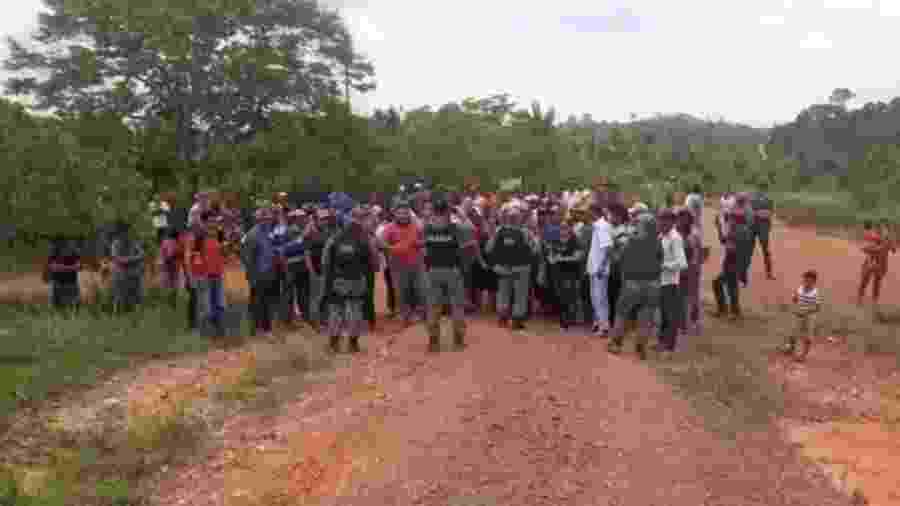 Ocupantes ilegais da Terra Indígena Apyterewa, no Pará, cercam equipe de fiscalização do Ibama e da Força Nacional - Reprodução/redes sociais