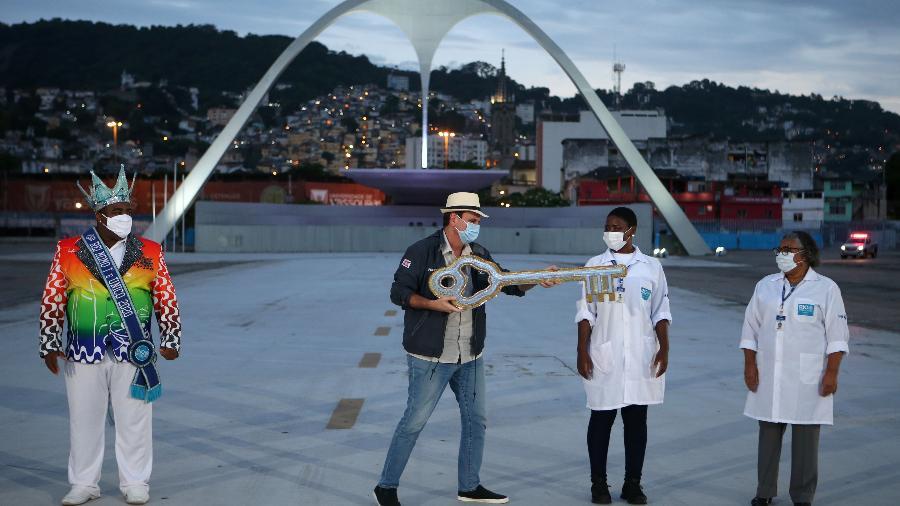 12 fev. 2021 - Eduardo Paes entrega a chave da cidade a profissionais de saúde - WILTON JUNIOR/ESTADÃO CONTEÚDO