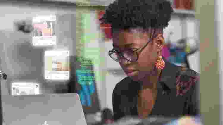 Estudo de Joy Buolamwini analisou sistemas de empresas como Microsoft, Google e Amazon - Divulgação - Divulgação