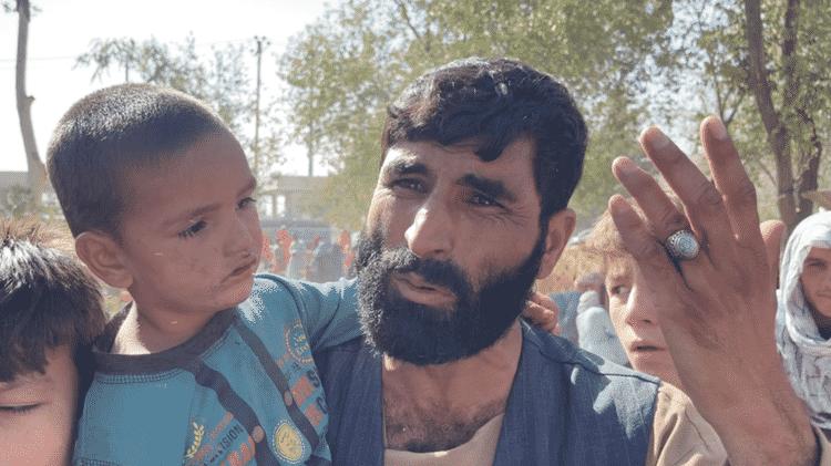 Asadullah vendia comida e especiarias na província de Kunduz, mas teve que fugir com sua família - BBC - BBC