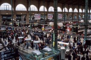 Estações de trem francesas testam softwares que detectam gestos suspeitos