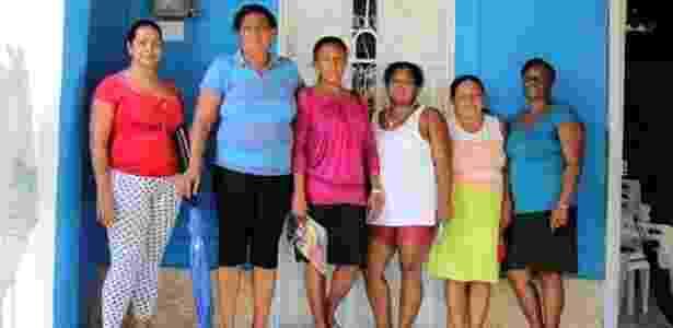 25.mai.2016 - Mulheres tiveram de abandonar seus locais de origem devido à violência, se organizaram e buscaram fundos para erguer moradias em subúrbio da cidade colombiana de Turbaco - Liga de Mujeres Desplazadas