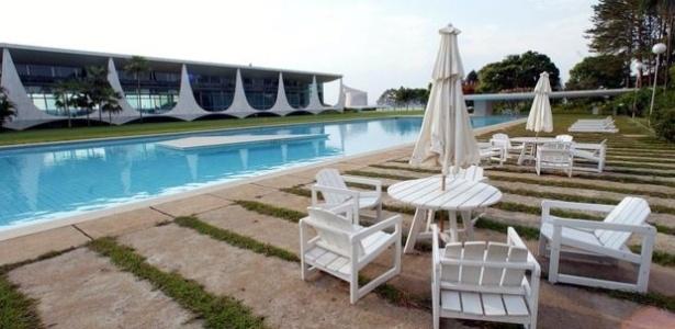 Vista da piscina do Palácio da Alvorada, em Brasília