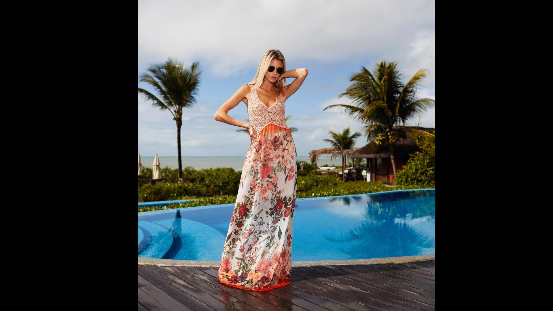 Renata Campos vestido de seda longo estampado