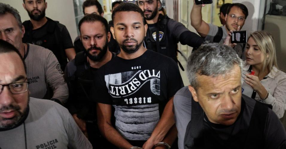 06.dez.2017 - Traficante Rogério 157 detido na Delegacia da Cidade, zona norte do Rio de Janeiro