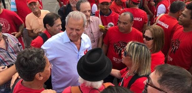 O exx-ministro José Dirceu durante uma de suas últimas aparições públicas, em marcha no TSE - Arquivo pessoal