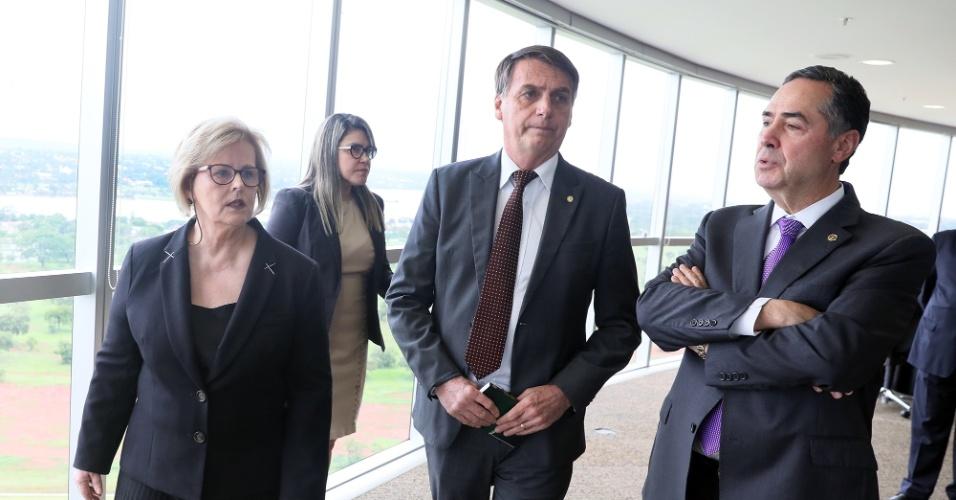 13.nov.2018 - O presidente eleito Jair Bolsonaro (PSL) visita o TSE (Tribunal Superior Eleitoral), onde foi recebido pela ministra Rosa Weber, presidente do TSE, e pelo ministro Luís Roberto Barroso