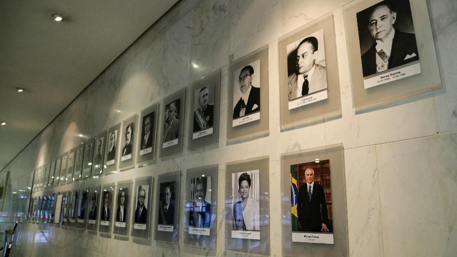 Fotografia do presidente Michel Temer foi colocada, no dia 11, na galeria de presidentes da República no Palácio do Planalto - Walterson Rosa/Folhapress