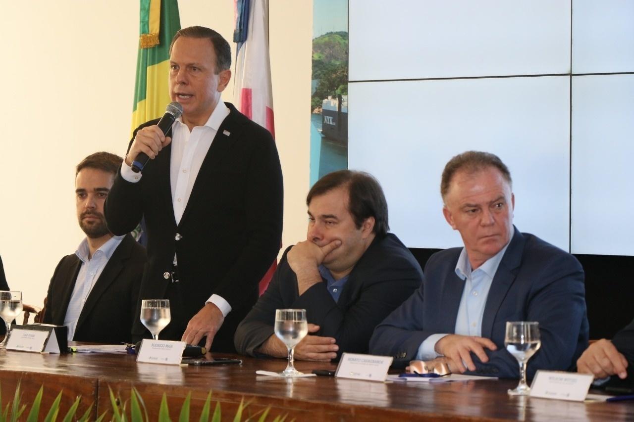 Governadores e Rodrigo Maia montam um governo paralelo - Blog do ...