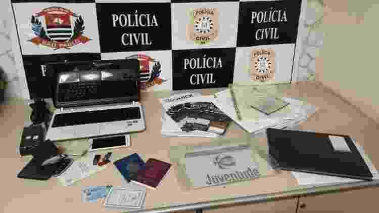 Documentos apreendidos com empresário suspeito de dar golpe da cidadania italiana - Divulgação/Polícia Civil RS