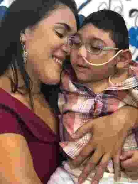 Inamá e Arthur, que nasceu com a síndrome da zika e morreu de pneumonia aos três anos de idade - Arquivo pessoal