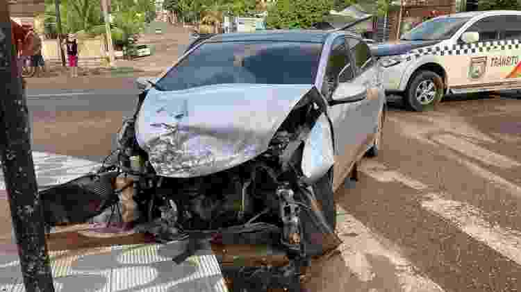 Carro fica destruído após colidir com outro veículo que estava fugindo da PM - Divulgação/PM Amapá - Divulgação/PM Amapá