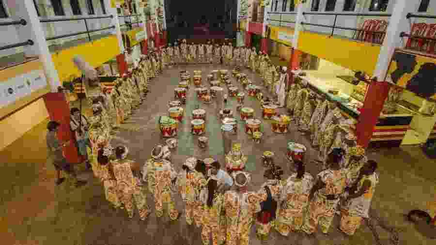 Músicos na sede do Ilê Aiyê, em Salvador - Fafá Araújo