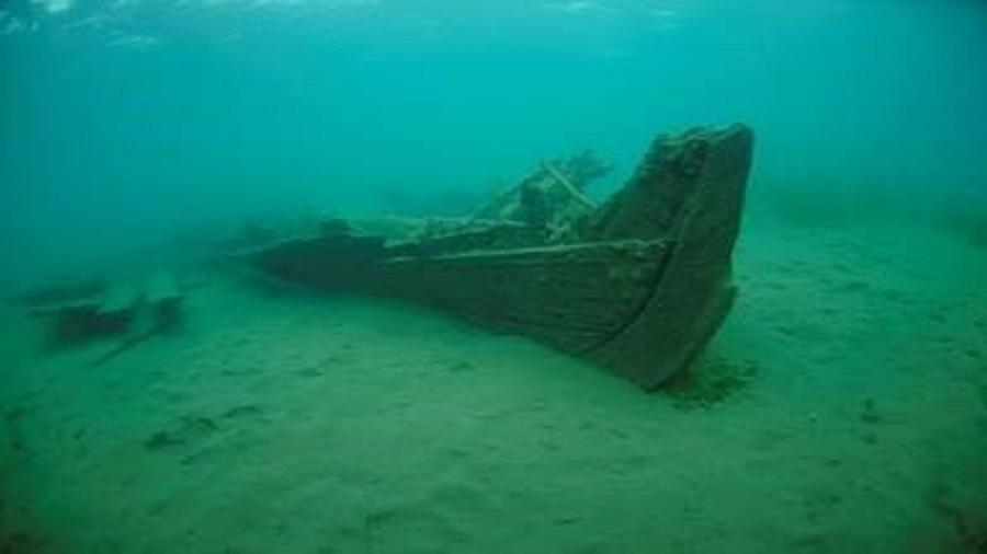 Grupo de mergulhadores encontra navio naufragado perto do porto da cidade de Grindstone, em Michigan - Michigan Divers, LLC