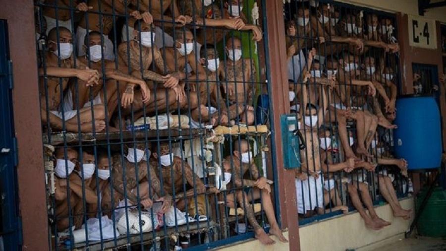 Brasil ocupa a 12ª posição no ranking com 146,8% de taxa de ocupação. É o terceiro país com a maior população carcerária do mundo, com 773 mil pessoas encarceradas, segundo o governo - Getty Images